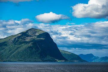 View to the Storfjord in Norway van Rico Ködder