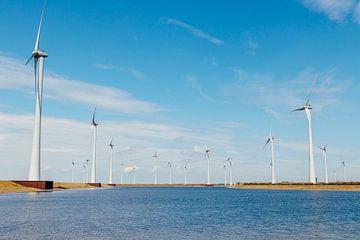 Niederländische Windmühlen von Photography by Cynthia Frankvoort