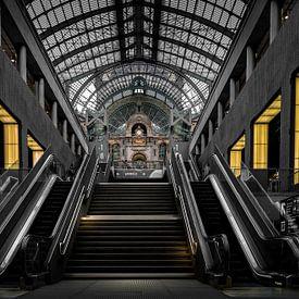 Treinstation Antwerpen - Belgie van Patrick Rodink
