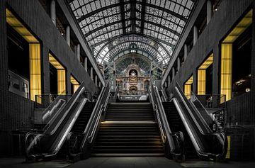 Bahnhof Antwerpen - Belgien von Patrick Rodink