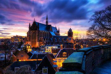 Hooglandse Kerk Leiden  zonsopkomst van