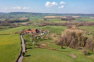 Luchtfoto van de Bellethoeve bij Cottessen