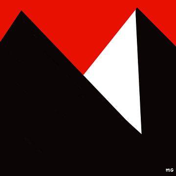 Pyramids van Martin Groenhout