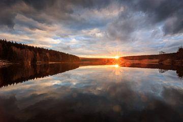 Zonsondergang aan het meer van Oliver Henze