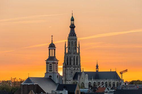 Breda Skyline, Grote Kerk tijdens zonsondergang