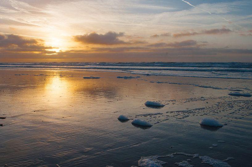 zonsondergang Egmond aan Zee van Dirk Sander
