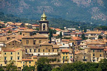 Middeleeuws dorp  Sant'Agata de'Goti in Zuid-Italië van Geert Smet