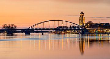 Avondrood aan de IJssel in Deventer, Overijssel, Nederland van Adelheid Smitt