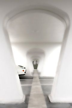 White ending tunnel van