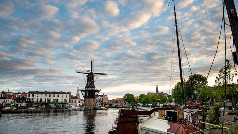 De molen de Adriaan in Haarlem van Arjen Schippers