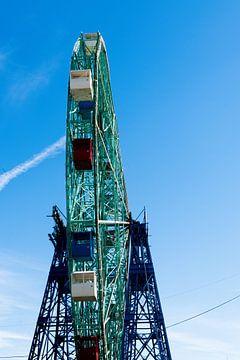 Een verlaten reuzenrad, Coney Island New York van Puck Bertens