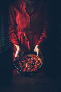 Zomerfruit taart in roodtinten, aardbei, blauwe bes, framboos van From My Eyes