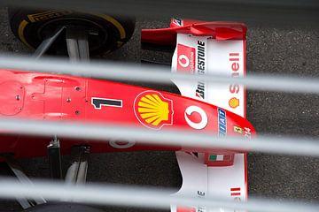 Ferrari F1 bolide F2002 van