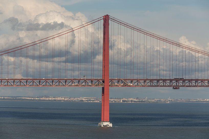 Ponte 25 de Abril in Lissabon van MS Fotografie | Marc van der Stelt
