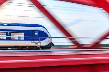 Trein over de Ijsselbrug in Zwolle von Christein van Hoffen