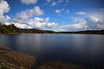 See und Wolkenlandschaft van Heike Hultsch