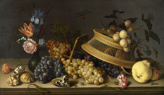 Stilleven van bloemen, fruit, schelpen en insecten, Balthasar van der Ast