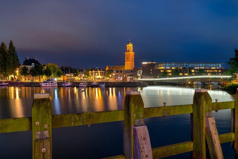 Stadsfront Zwolle met Peperbus van Fotografie Ronald