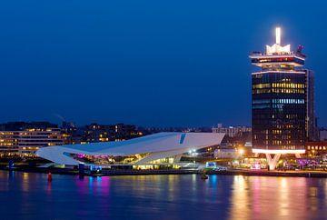 Amsterdam EYE et la tour A'DAM sur Marianne Ottemann - OTTI