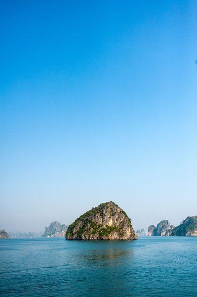 Ha Long Bay, Vietnam van Sebastiaan Hamming