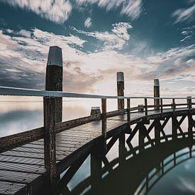 Waddenzee met houten aanleg steiger van Fotografiecor .nl