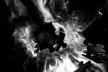 Botsende puzzelstukjes (liggend) van Marjolijn van den Berg