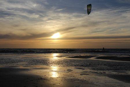 Der einsame Kitesurfer von Bert - Photostreamkatwijk