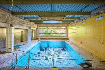 empty pool von Michael Schulz-Dostal
