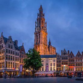 Antwerpen stad met de Onze-Lieve-Vrouwekathedraal van Patrick Rodink