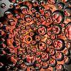 Roze Gerbera in druppels (vierkant) van Marjolijn van den Berg thumbnail