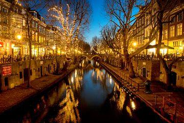 Utrecht oudegracht in kerstverlichting sur