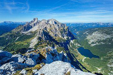 """Berglandschaft """"Blick auf den Gosaukamm von Coen Weesjes"""