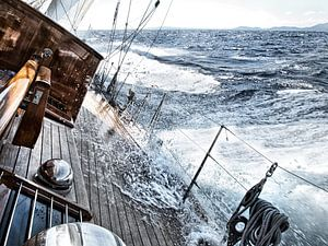 Zeezeilen met harde wind van