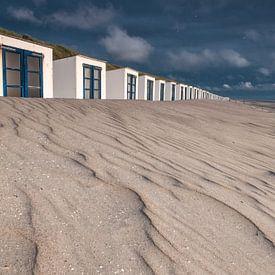 Zand structuur Strandhuisjes Paal 15 van Ronald Timmer