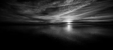 Zonsondergang bij Rottumeroog, het onbewoonde waddeneiland van