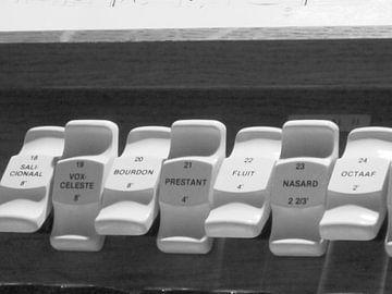 Halve kracht spelen op orgel van Wilbert Van Veldhuizen