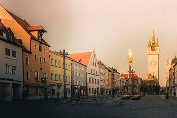 Wunderschönes Abendlicht in der Stadt Straubing Bayern