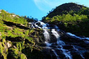 Schotland, waterval  van Marian Klerx