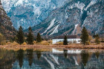 Huis in een berglandschap