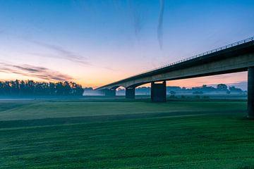 Endlose Brücke von Alexander van der Zel