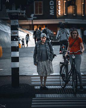 wanneer je rustig aan het wachten bent bij het stoplicht van Sabine Brederode Photography