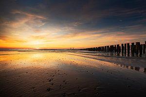 Slowly You Dissolve (zonsondergang strand Domburg)
