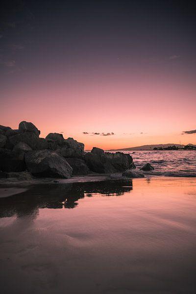 zonsondergang waikiki beach van Bram Laenen