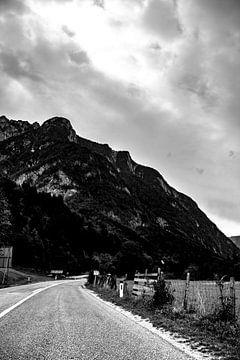 Eine einsame Straße. von Amy Verhoeven