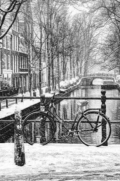 Centre ville d'Amsterdam en hiver Noir et blanc