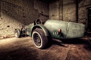 Old speed car von Michelle Casteren