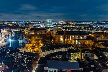 Skyline van Breda vanaf de Grote toren tijdens de avond. van