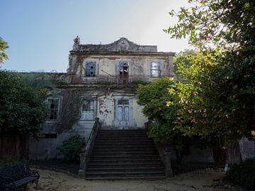 Oud en vervallen urban exploring kasteel van Sofie Duchateau