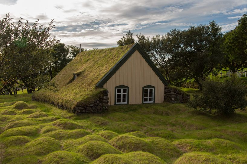 Oud turf kerkje in IJsland von Menno Schaefer