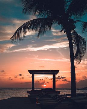 Zonsondergang op Curaçao sur Wahid Fayumzadah